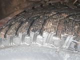 Резина шипованная 285/65/17 за 30 000 тг. в Нур-Султан (Астана) – фото 5