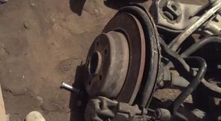 Задние тормозные диски от мерседеса s320 mercedes w220. Пара с… за 10 000 тг. в Алматы