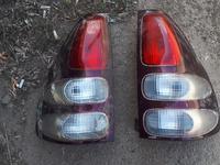 Задние фонари оригинал б у на Тойота Ленд Крузер Прадо… за 15 000 тг. в Актобе