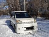 Toyota Voxy 2004 года за 2 500 000 тг. в Усть-Каменогорск – фото 3