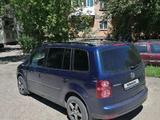Volkswagen Touran 2007 года за 3 600 000 тг. в Темиртау – фото 5