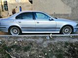BMW 528 1997 года за 2 200 000 тг. в Караганда – фото 2