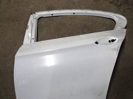Дверь задняя левая голая BMW f10 5 серия за 170 000 тг. в Алматы