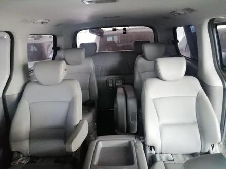 Hyundai Starex 2019 года за 14 200 000 тг. в Алматы – фото 3