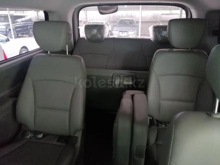 Hyundai Starex 2019 года за 14 200 000 тг. в Алматы – фото 6