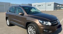 Volkswagen Tiguan 2016 года за 9 000 000 тг. в Алматы