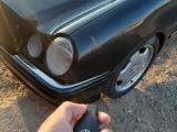 Mercedes-Benz E 200 2000 года за 1 850 000 тг. в Атырау