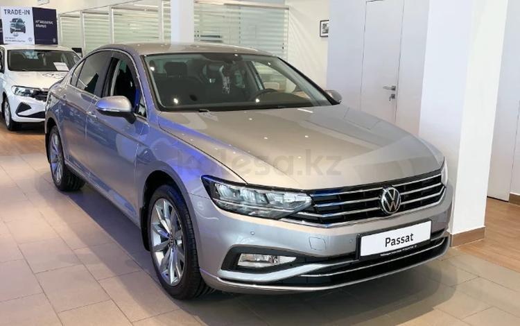 Volkswagen Passat Business 1.4 TSI 2021 года за 15 050 000 тг. в Уральск