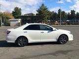 Toyota Camry 2018 года за 10 800 000 тг. в Павлодар – фото 2
