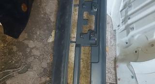 Бампер на Тойоту Раф4 за 15 000 тг. в Алматы