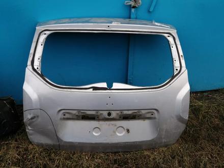 В наличии крышка багажника рено дастер за 59 000 тг. в Нур-Султан (Астана)
