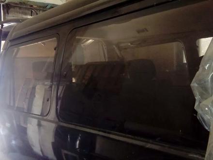 Стёкла боковые за 6 000 тг. в Алматы