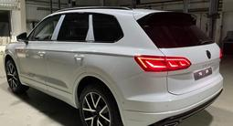 Volkswagen Touareg Комплектация Business Elegance 2021 года за 29 827 000 тг. в Тараз – фото 2