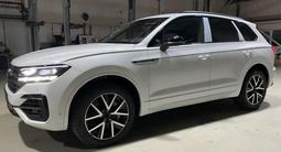 Volkswagen Touareg Комплектация Business Elegance 2021 года за 29 827 000 тг. в Тараз – фото 3
