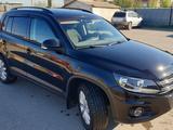 Volkswagen Tiguan 2015 года за 8 100 000 тг. в Костанай – фото 4