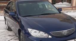 Toyota Camry 2004 года за 3 350 000 тг. в Уральск