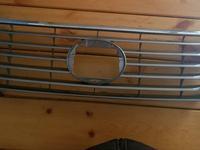 Решетка радиатора RX350 за 80 000 тг. в Караганда