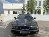 BMW 525 1998 года за 1 530 000 тг. в Караганда – фото 2
