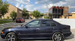 BMW 525 1998 года за 2 050 000 тг. в Караганда – фото 3