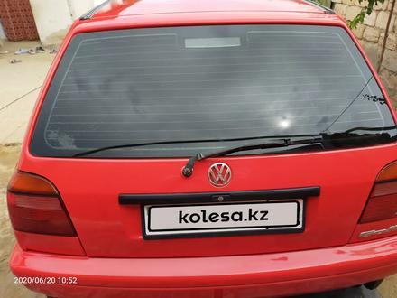 Volkswagen Golf 1996 года за 1 300 000 тг. в Актау – фото 4