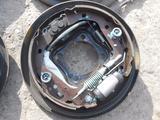 Тормозные диски колодки ручник Toyota Prius 20 за 15 000 тг. в Алматы – фото 2