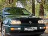 Volkswagen Golf 1998 года за 2 900 000 тг. в Алматы – фото 2