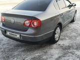 Volkswagen Passat 2006 года за 3 750 000 тг. в Семей – фото 3