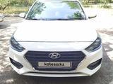 Hyundai Solaris 2018 года за 5 950 000 тг. в Семей – фото 4