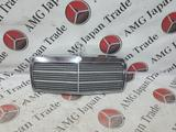 Решетка радиатора на Mercedes-Benz W201 E190 за 52 242 тг. в Владивосток