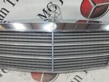 Решетка радиатора на Mercedes-Benz W201 E190 за 52 242 тг. в Владивосток – фото 2