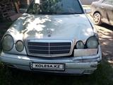 Mercedes-Benz E 200 1996 года за 1 200 000 тг. в Нур-Султан (Астана) – фото 4