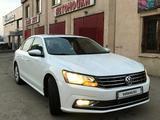 Volkswagen Passat 2017 года за 8 000 000 тг. в Алматы – фото 2
