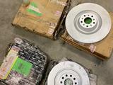 Тормозные диски перед и зад, комплект новый за 250 000 тг. в Алматы