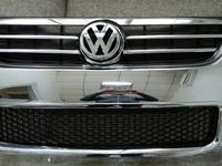 Решетка радиатора Volkswagen Touareg за 65 000 тг. в Алматы