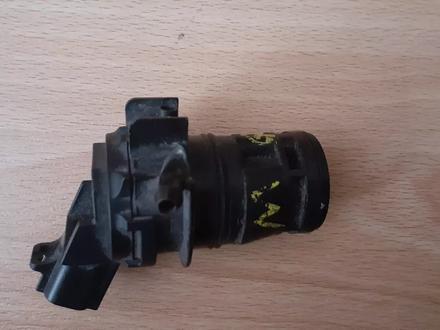 Моторчик омывателя стекла Мазда 6 за 5 000 тг. в Алматы