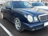 Mercedes-Benz E 240 1998 года за 968 100 тг. в Нур-Султан (Астана) – фото 2
