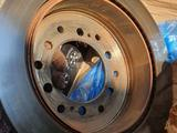 LandCruiser Prado 150 (2020) Оригинальные тормозные диски за 99 000 тг. в Алматы