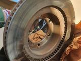 LandCruiser Prado 150 (2020) Оригинальные тормозные диски за 99 000 тг. в Алматы – фото 4