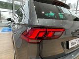 Volkswagen Tiguan Respect (2WD) 2021 года за 13 295 000 тг. в Шымкент – фото 4