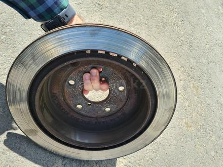 Тормозные диски субару трибека за 12 000 тг. в Алматы – фото 2