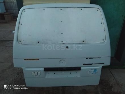 Дверь багажника VW TRANSPORTER T4 1993 г. В за 50 000 тг. в Чапаев – фото 2