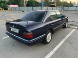 Mercedes-Benz E 300 1994 года за 1 600 000 тг. в Алматы – фото 4
