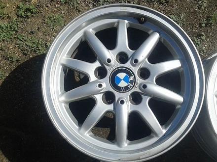 Оригинальные легкосплавные диски 27 стиль на BMW 3 (Германия R15 5 за 70 000 тг. в Нур-Султан (Астана) – фото 4