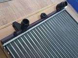 Радиатор Шаран 2.8 2001г за 171 171 тг. в Актобе