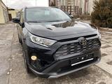 Toyota RAV 4 2020 года за 17 200 000 тг. в Алматы – фото 2