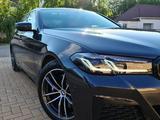 BMW 530 2020 года за 28 500 000 тг. в Уральск – фото 4