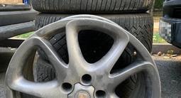 Шины с дисками, шины Continental, диск от Porsche за 360 000 тг. в Алматы – фото 3