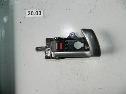 Ручка внутренняя правой двери за 5 500 тг. в Алматы
