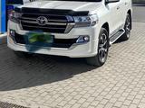 Toyota Land Cruiser 2019 года за 37 000 000 тг. в Шымкент