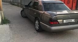 Mercedes-Benz E 280 1993 года за 1 700 000 тг. в Алматы – фото 4
